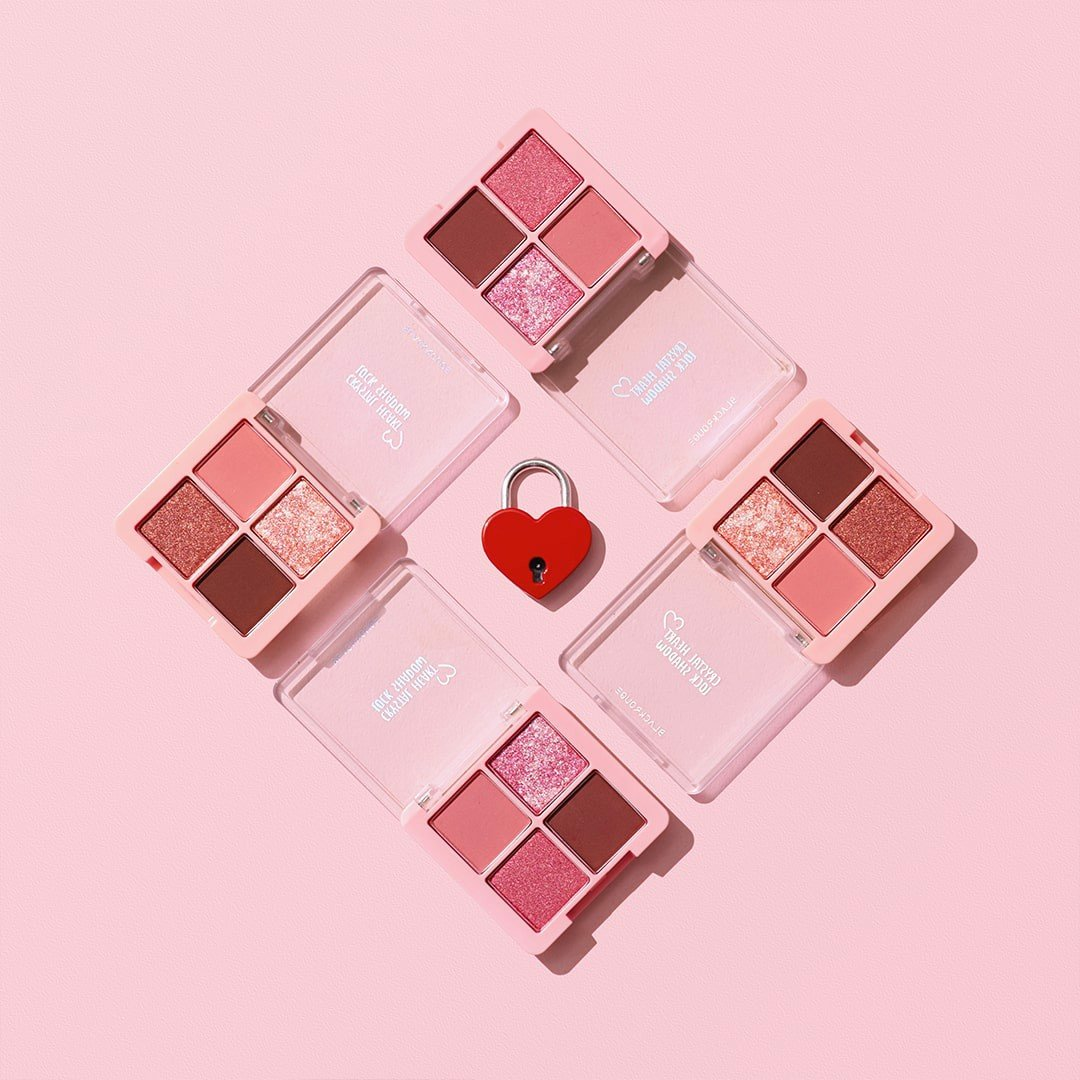 [NEW] Bảng Phấn Mắt 4 Ô Black Rouge Crystal Heart Lock Shadow