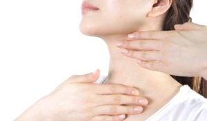 Sử dụng dưỡng chất thừa của mặt nạ giấy 1