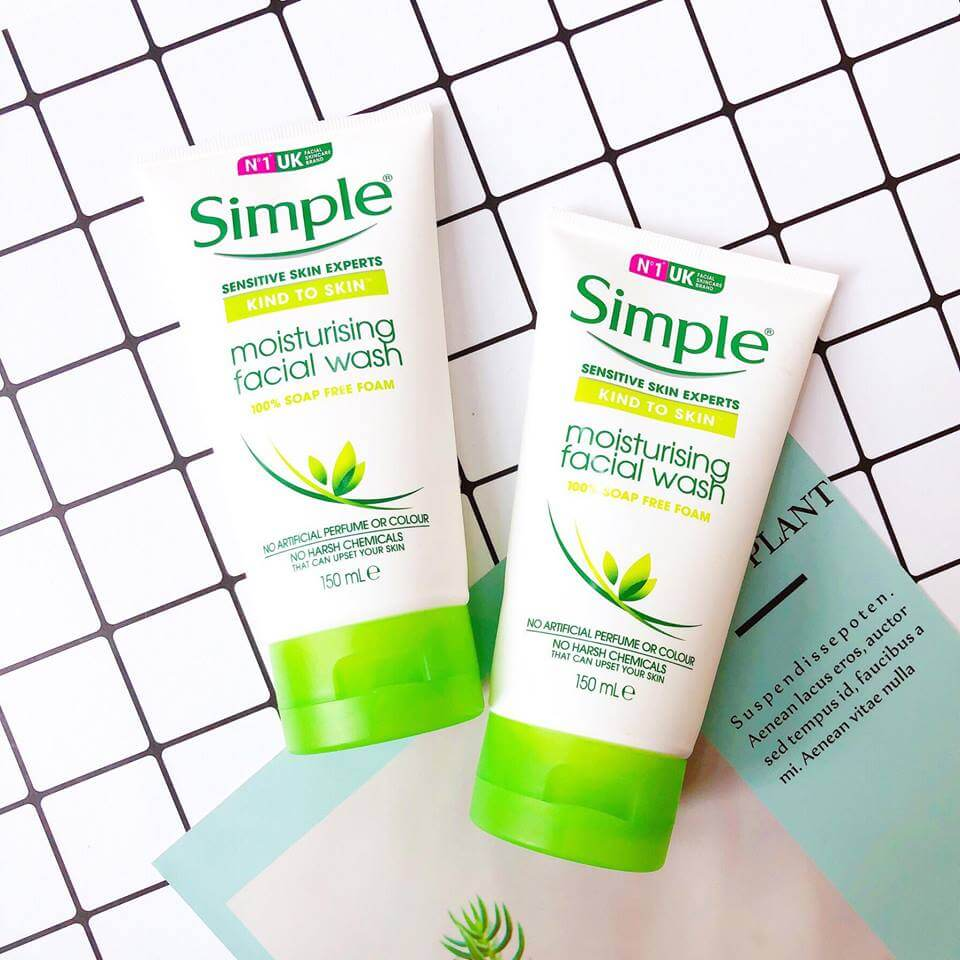 Sữa rửa mặt Simple Kind To Skin Moisturising Facial Wash-bicicosmetics.vn