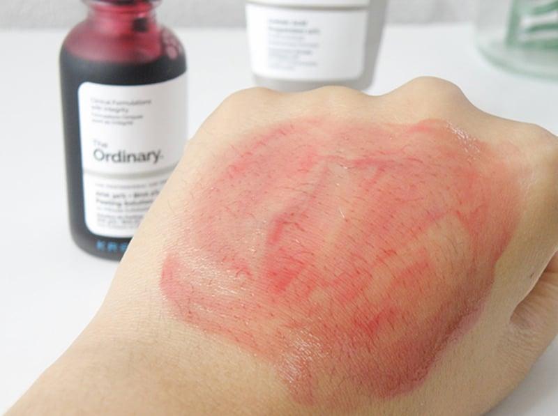 Chỉ nên để ẩy Tế Bào Chết The Ordinary AHA 30% + BHA 2% Peeling Solution trên da từ 5-8 phút, rửa lại nước ấm thật sạch.