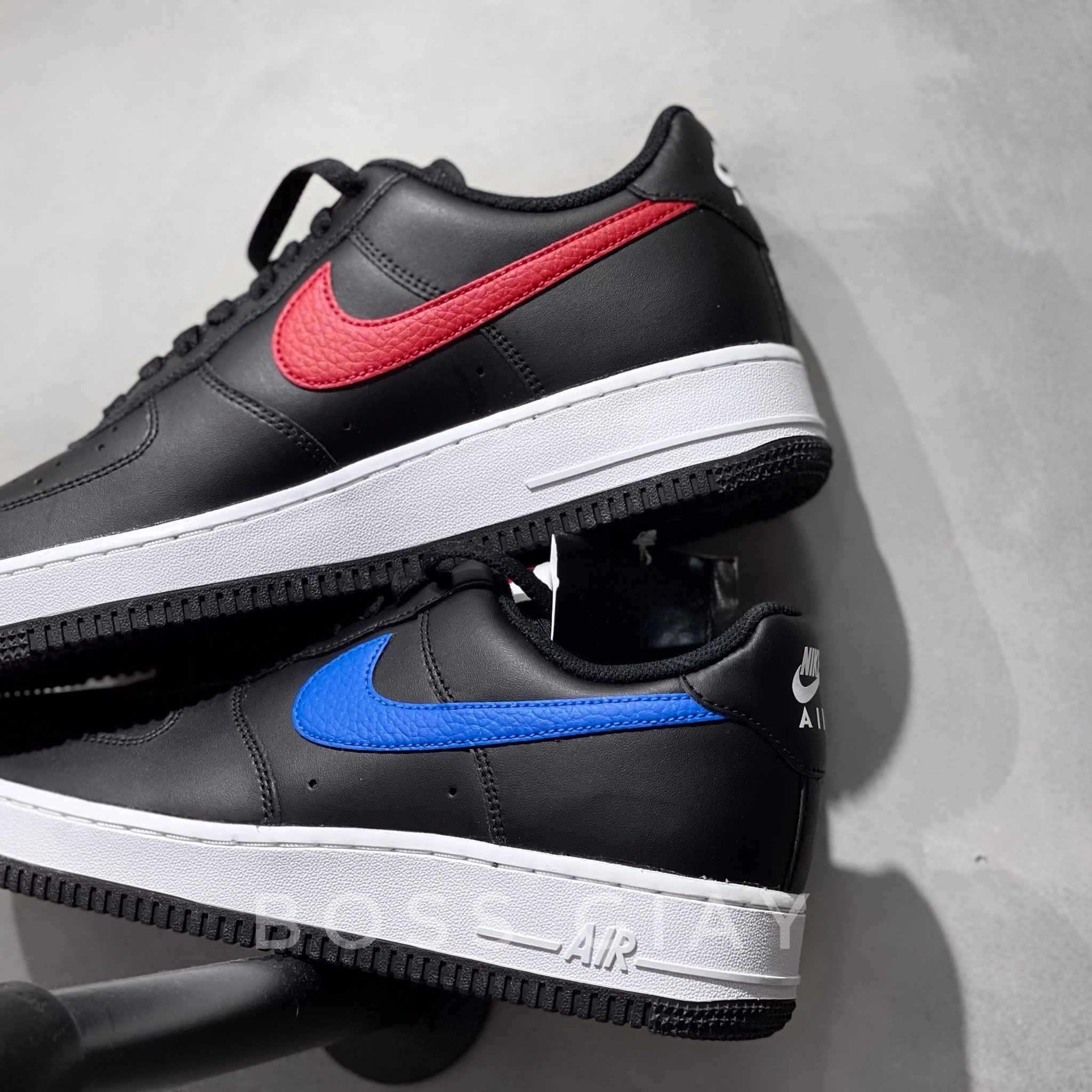 [CT2816-001] NIKE AIRFORCE 1 BLACK BLUE/RED