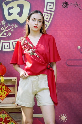 V-neck red top with 3D embroidery flower A335J