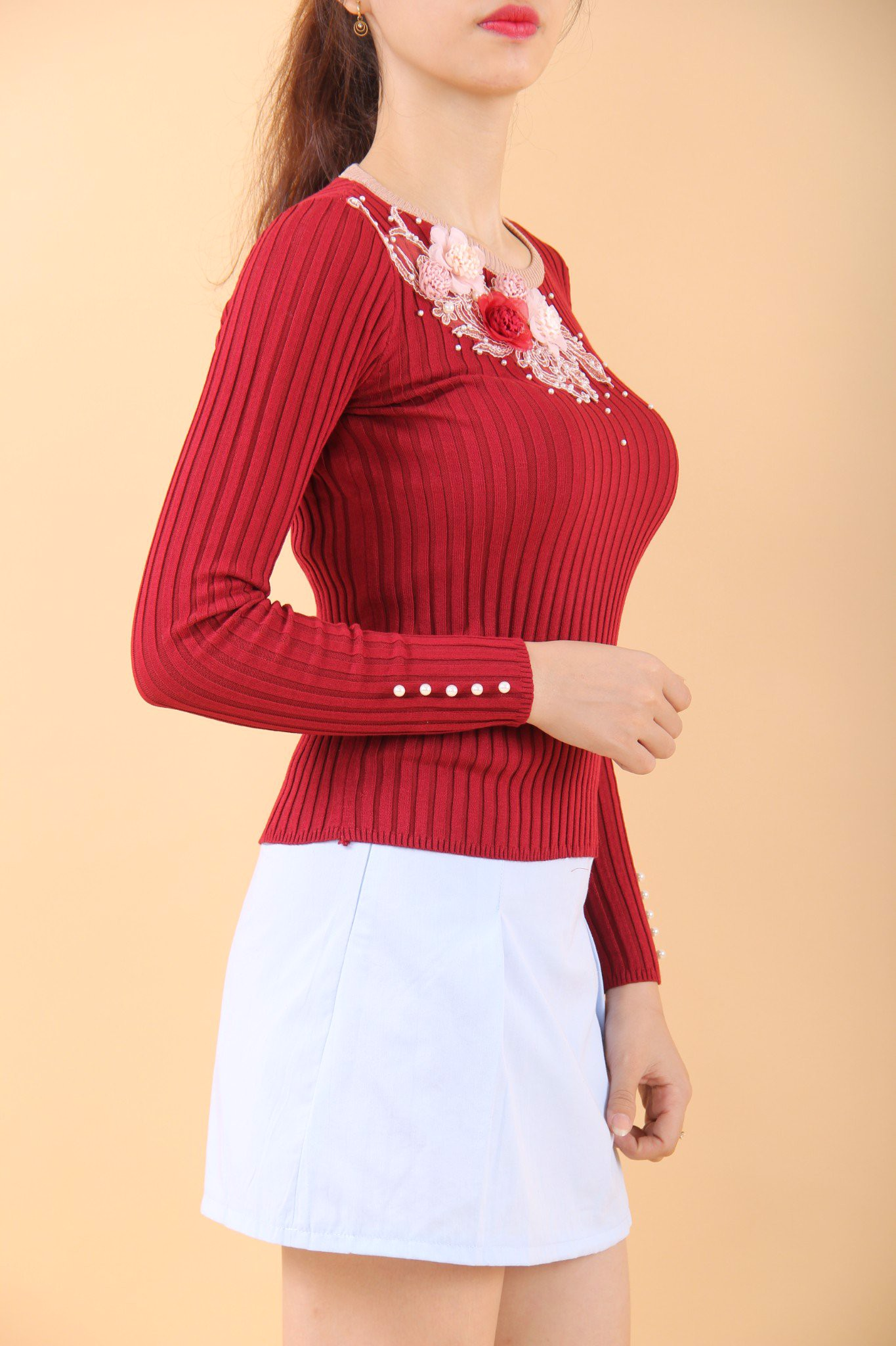 3D fabric flowers and pearls embroided on red long sleeves fitted top
