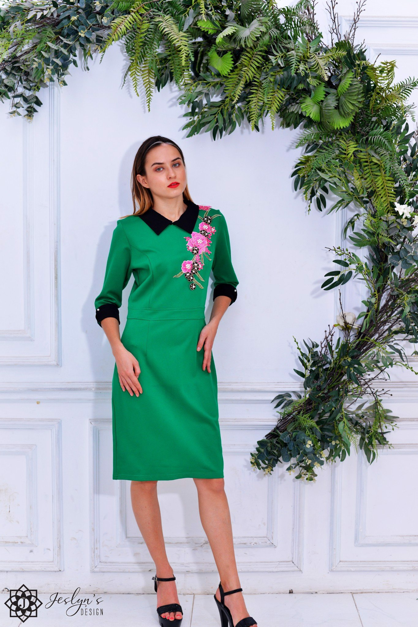 Hellebores green dress D254J