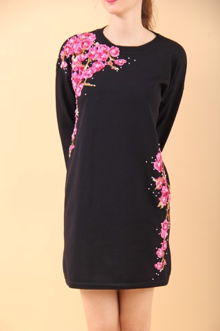 Purple flower branchs embroidery and pearls black shift dress