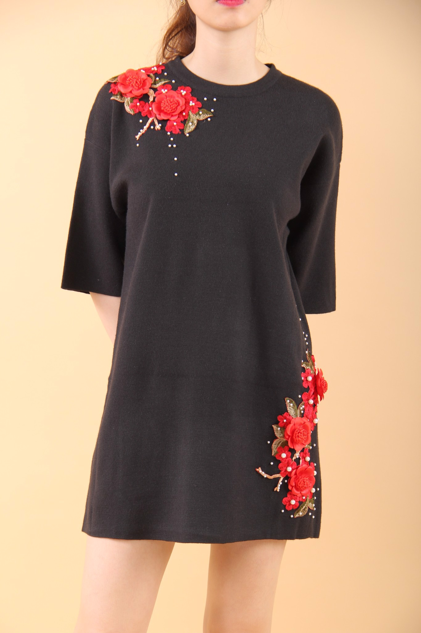 Red apricot blossom and pearls black shift dress