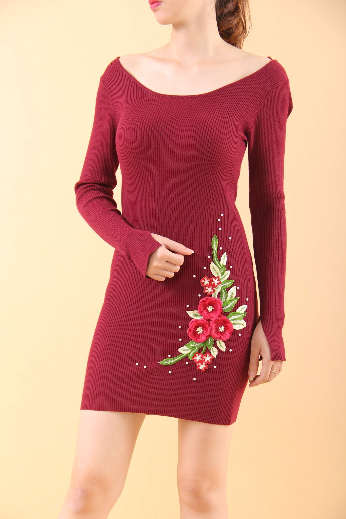 Camellia red bodycon dress