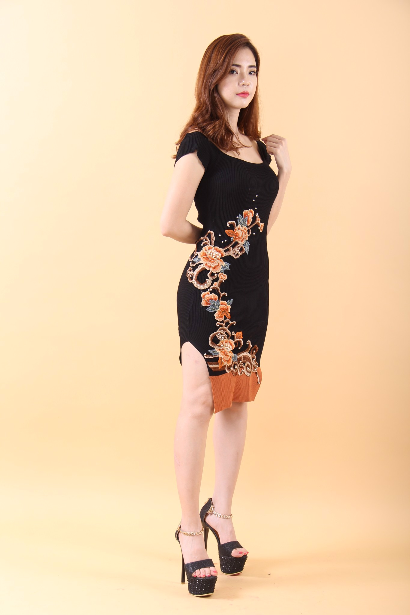 Peony black bodycon dress