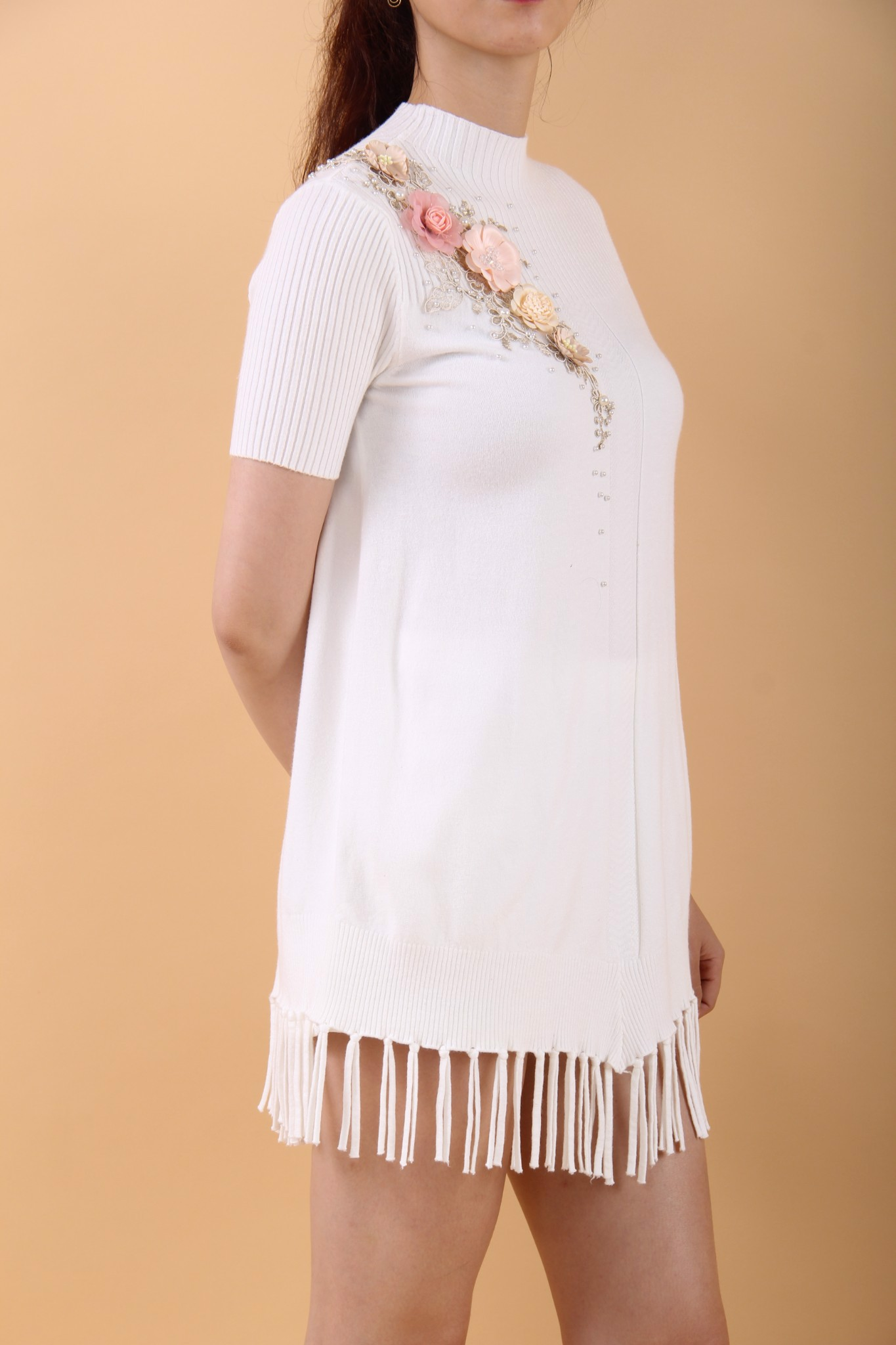 3D flowers and pearls white flapper dress