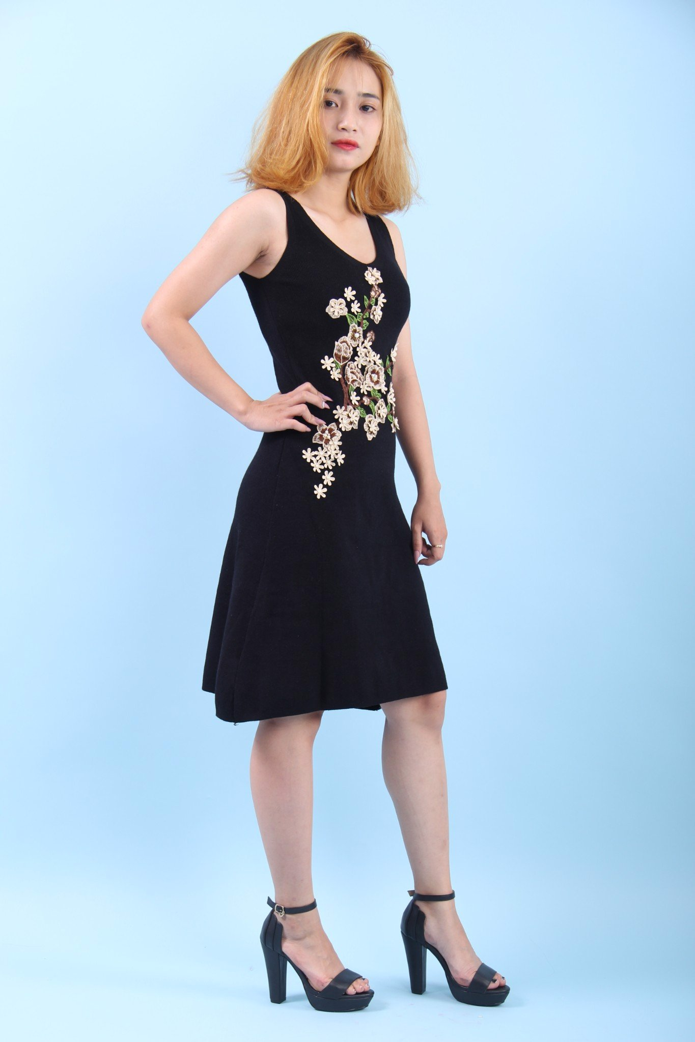 3D flowers black sleeveless midi dress