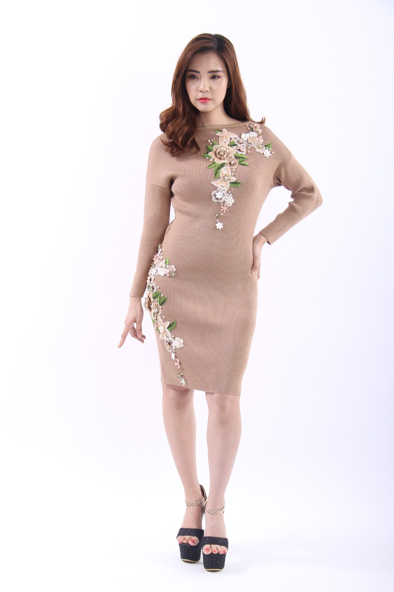 Embroided Gardenia brown long sleeves midi dress