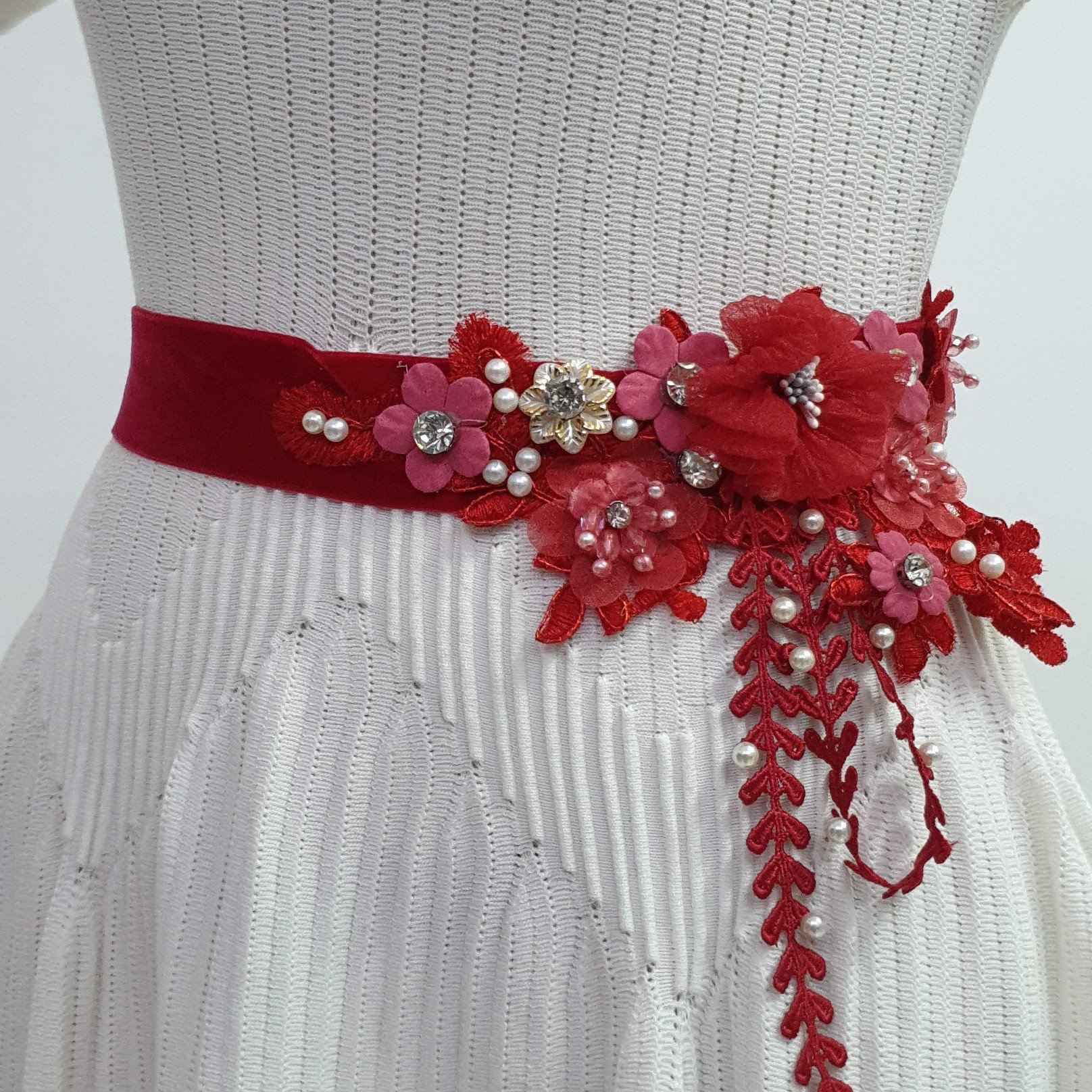 Red Willow FFlower Sash - FS14