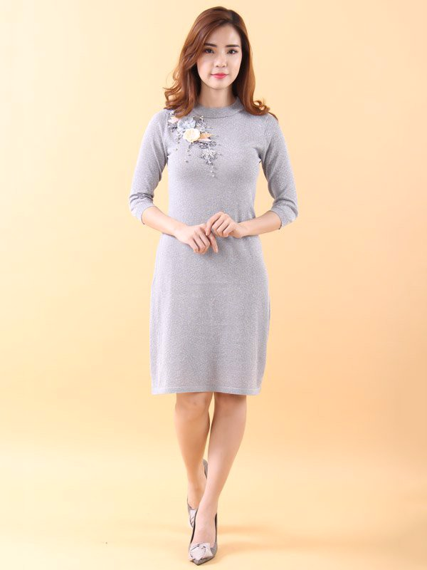 Tsubaki and pearls silver shift dress