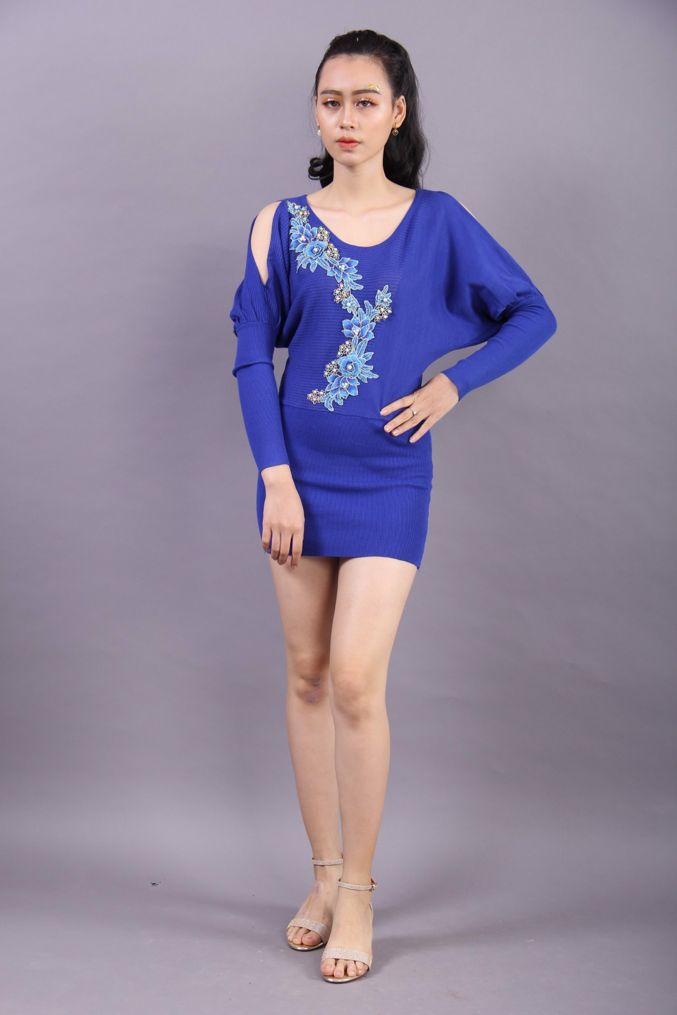 3D embroidery and pearls blue split sleeves mini dress
