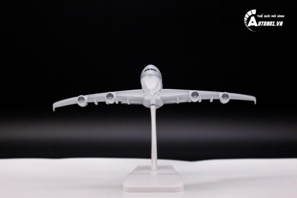 MÔ HÌNH MÁY BAY QATAR A380 KHÔNG BÁNH 18CM 6274