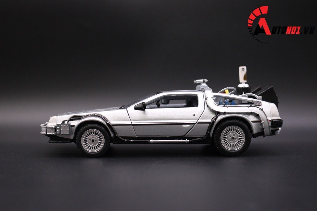 MÔ HÌNH XE DMC BACK TO THE FUTURE II 1:24 WELLY 2478