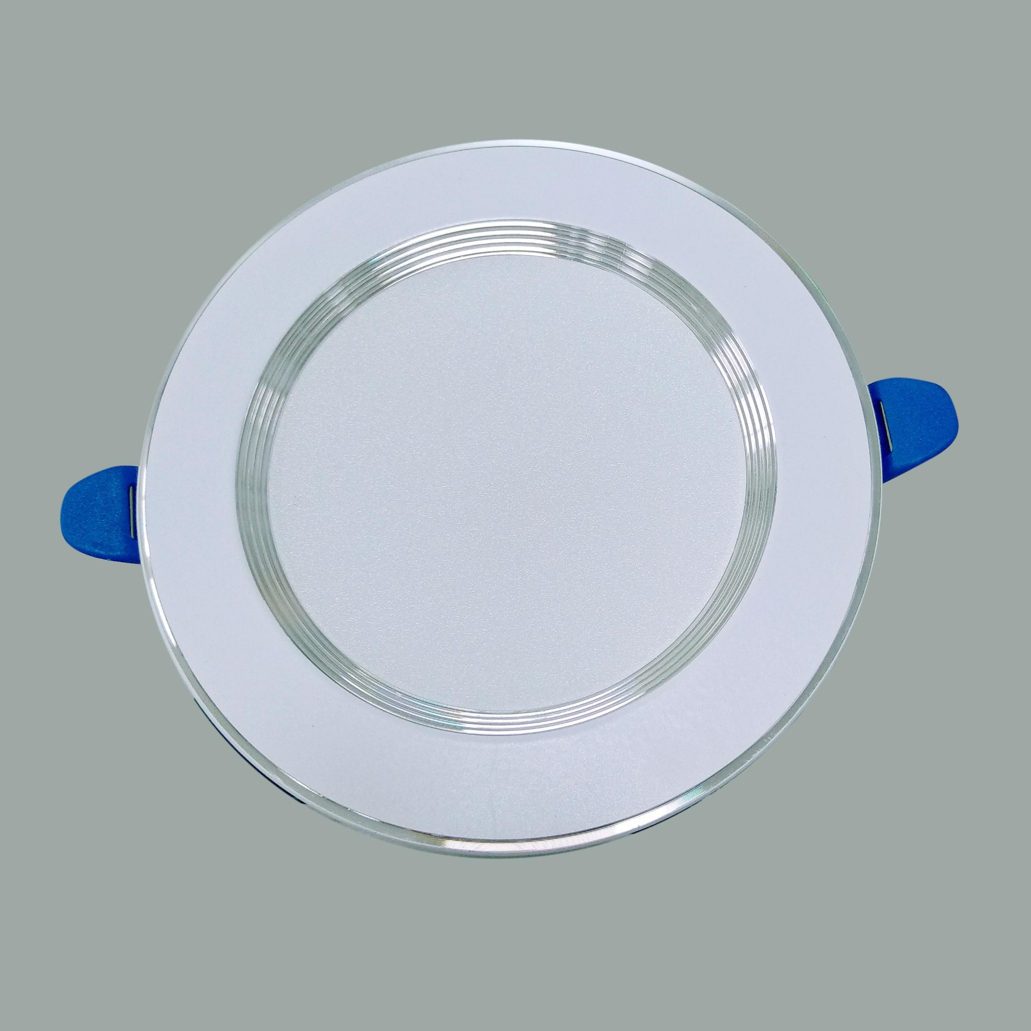 /products/den-led-downlight-vien-bac-doi-mau-d04b
