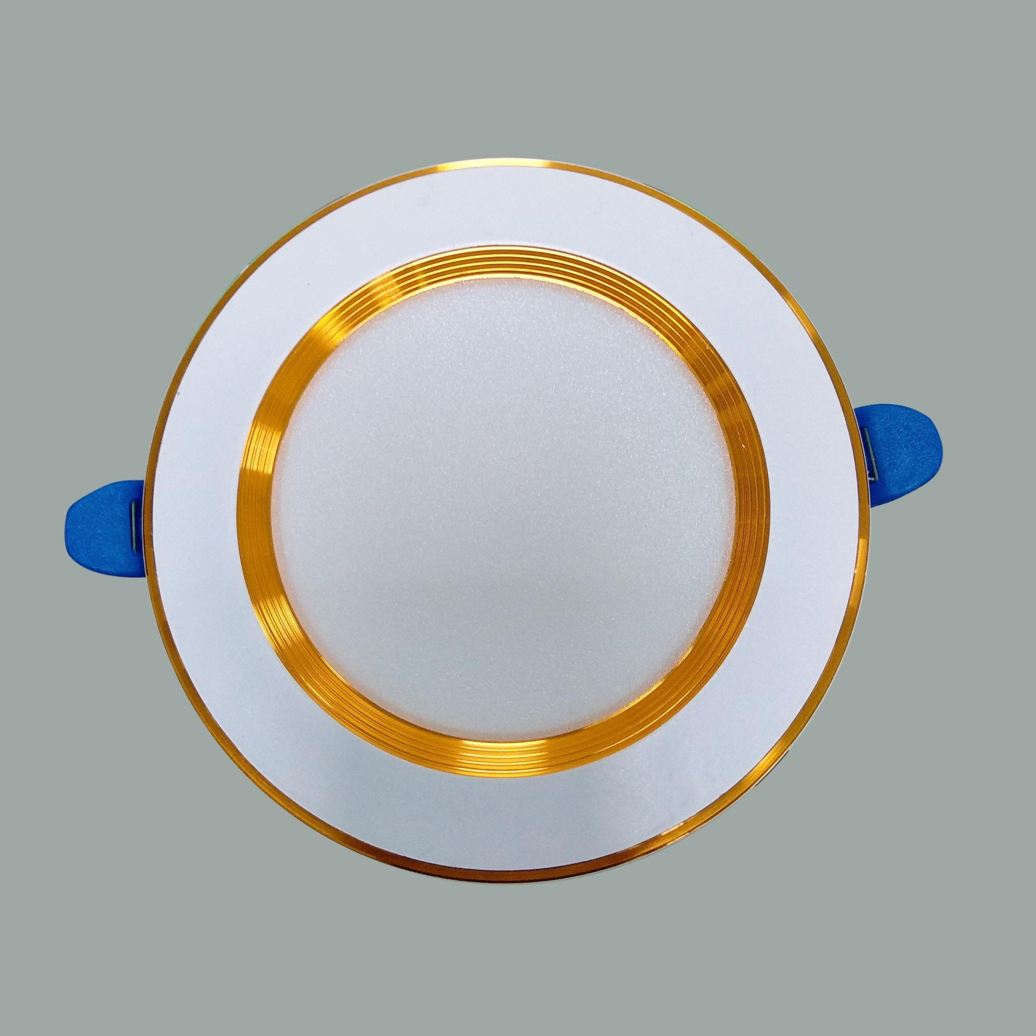 /products/den-led-downlight-vien-vang-doi-mau-d04v-7w