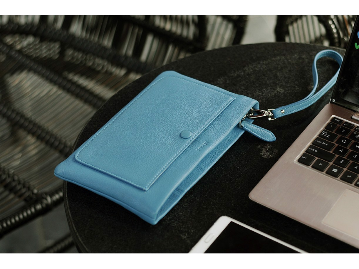 CLUTCH PLUS - IN NATURAL MILLED LEATHER - BLUE CERULEAN
