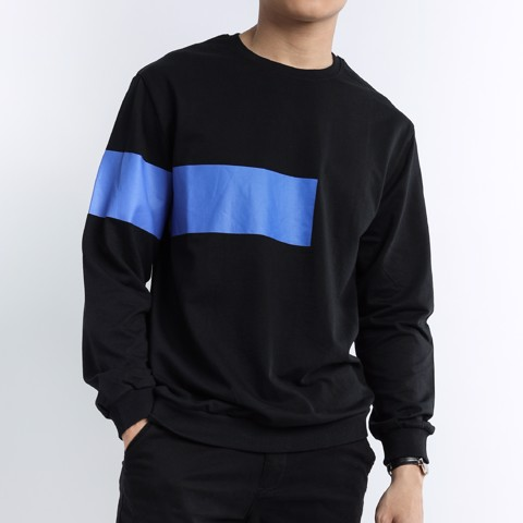 Sweater đen in xanh