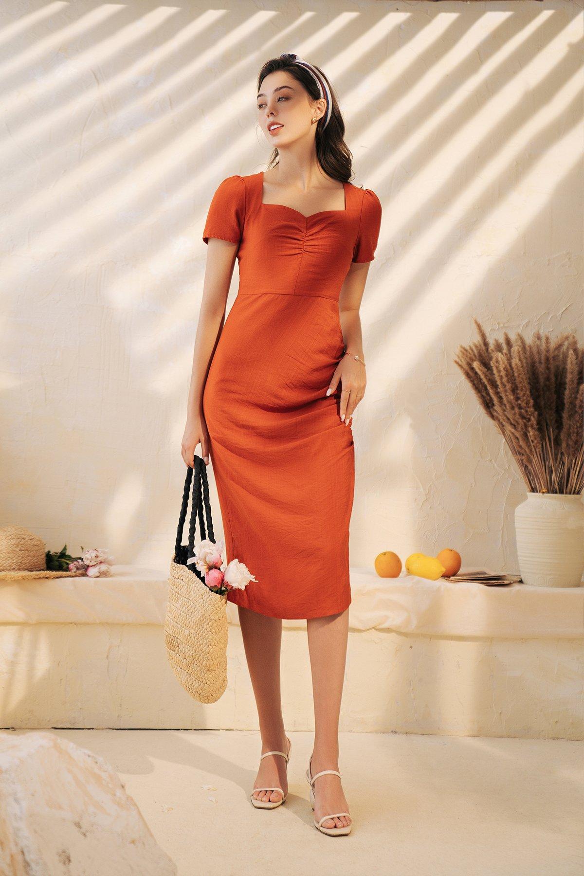 Váy cổ vuông dúm lệch cam