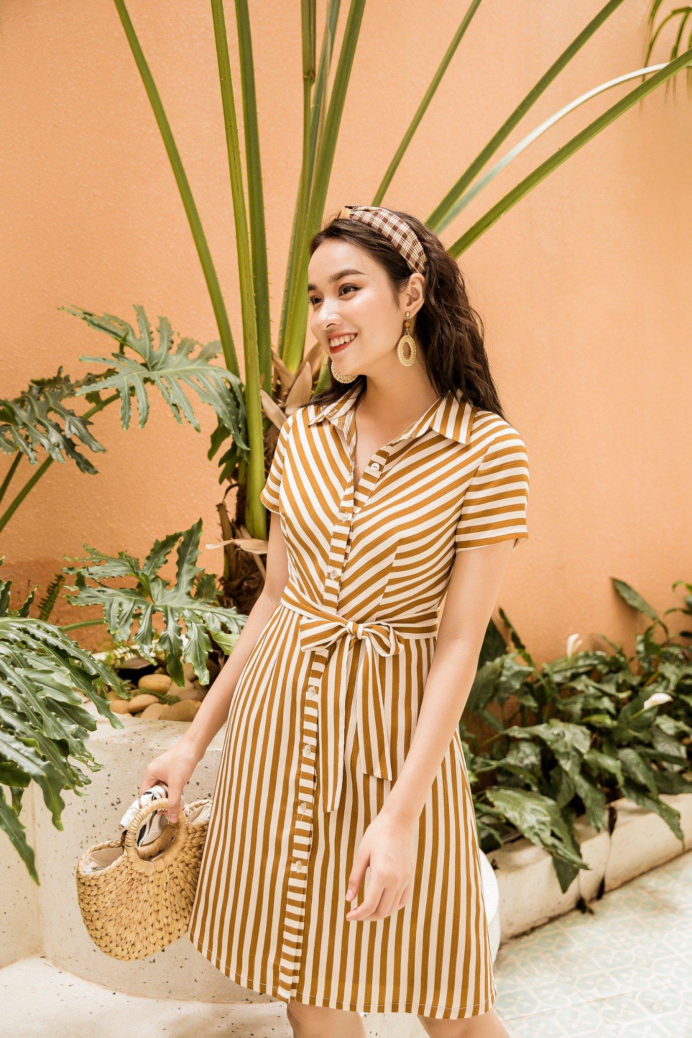 Váy SM Kẻ Kem Vàng