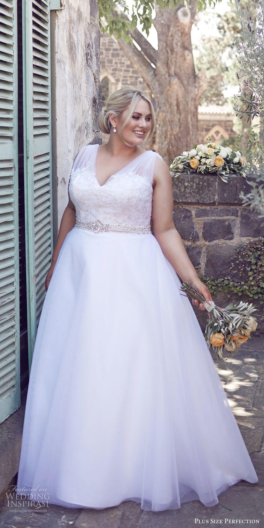 Váy cưới cho cô dâu mũm mĩm dáng chữ A