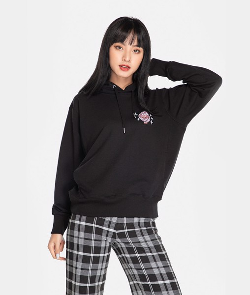 Áo hoodie oversize in chữ