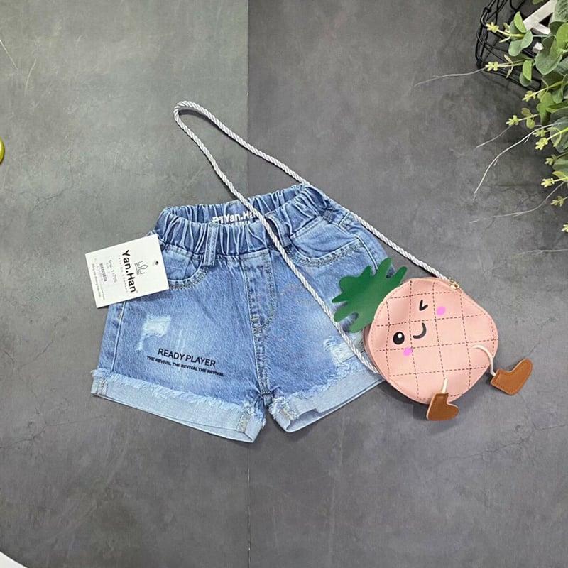 Quần short jean bé gái phụ kiện túi đeo