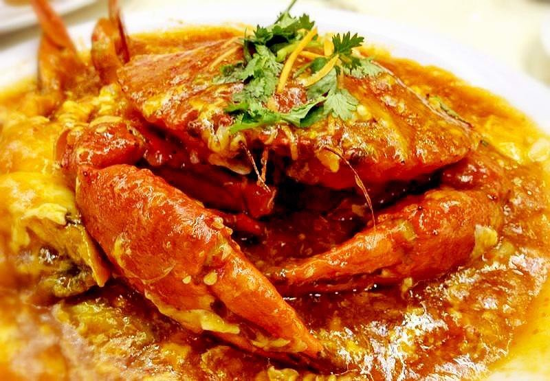 Crab: Steamed or Fried with tamarind/spicy sauce|Cua bể : Rang me hoặc sốt cay đặc biệt