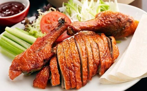 Roasted duck in clay oven | Vịt nướng quay lu