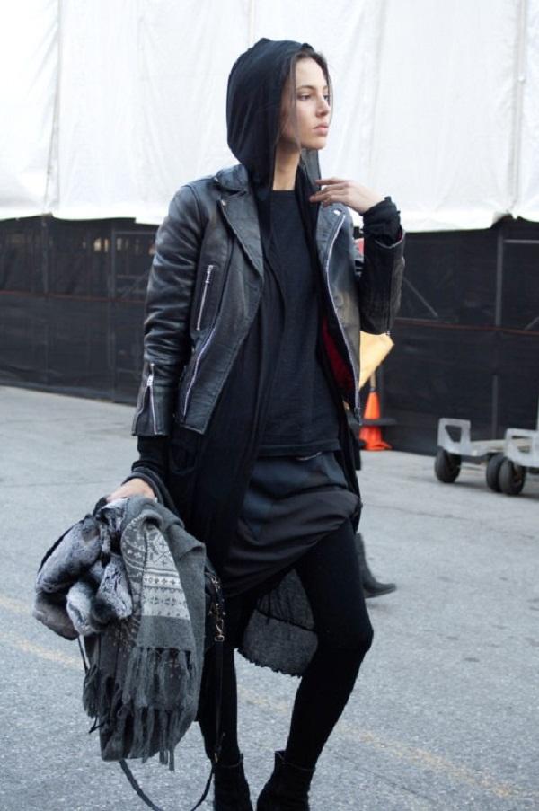 Cách mix đồ đẹp với áo khoác da nữ