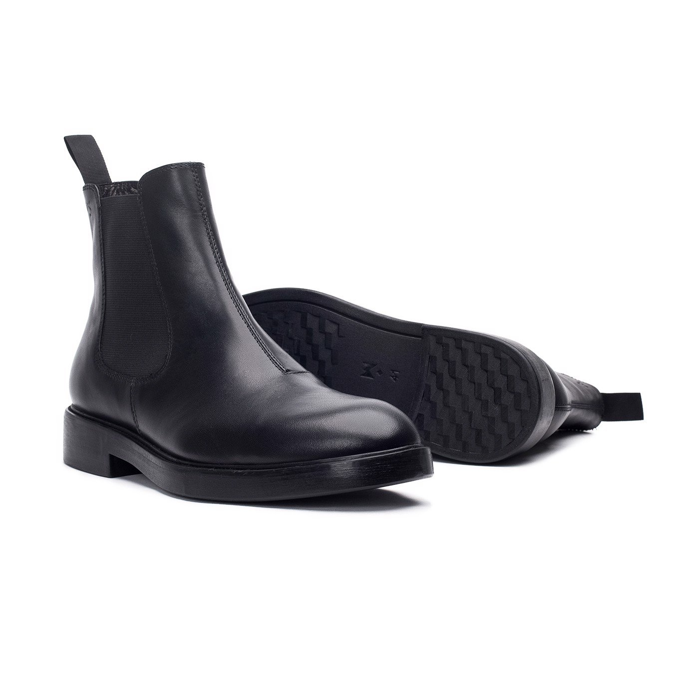 THE SHEWOLF MODERN CHELSEA BOOT - BLACK