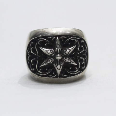 Chrome hearts oval star ring