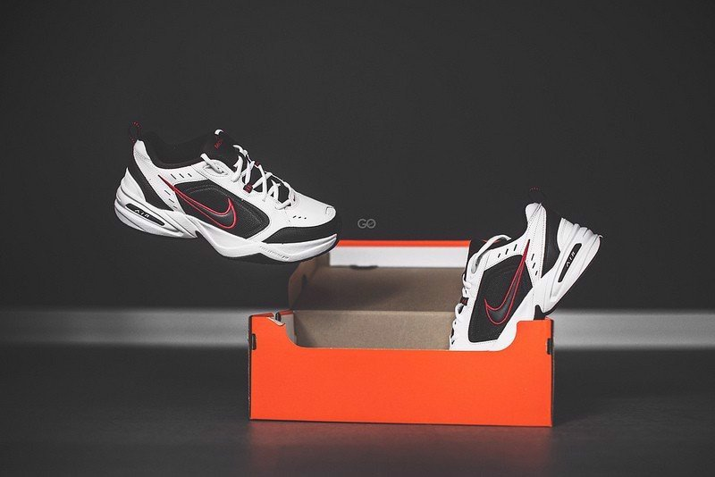 [ 415445-101 ] Nike Air Monarch IV 'White Black Red'