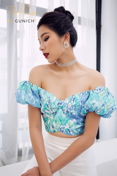 Emerald Off-shoulder Crop Top