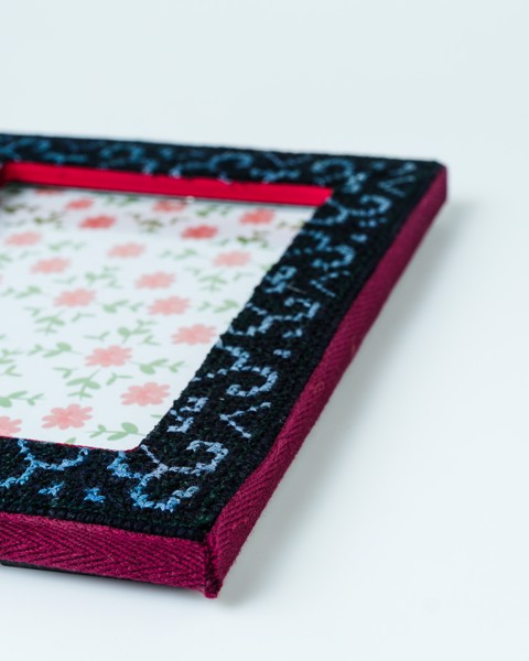 Medium Brocade Frame 2