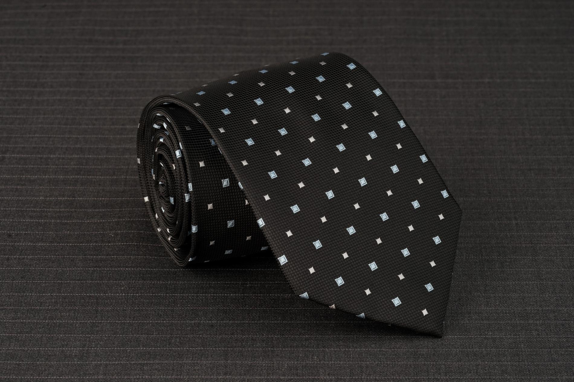 Caravat màu đen họa tiết kim cương chấm C73