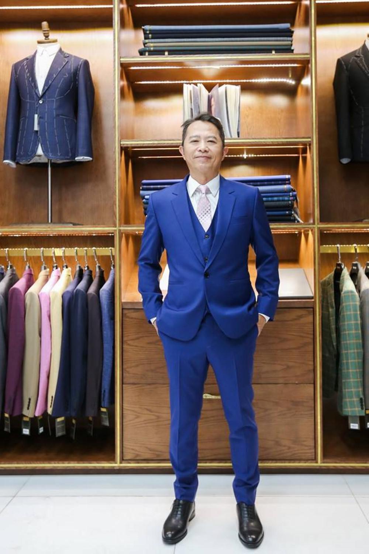 Suit Xanh Navy Sáng màu nổi bật  F74.003