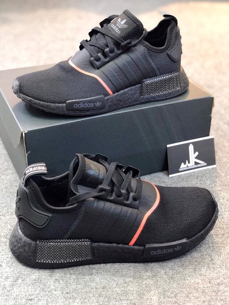 EE5085 - NMD R1 Core Black Solar Red
