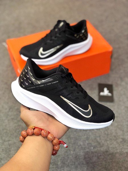 CV0149-001 Nike Quest 3 Premium Mini Swooshes