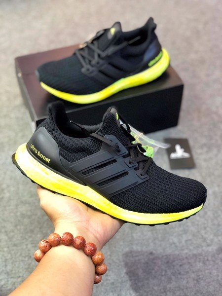 GZ8814 UltraBoost 4.0 DNA Solar Yellow