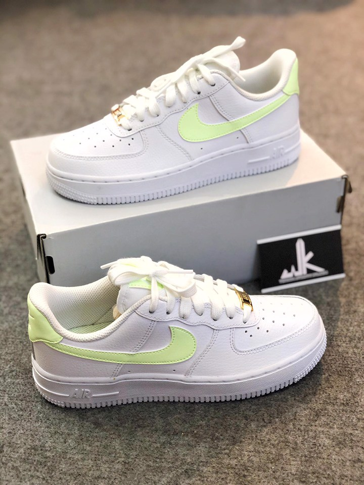 315115 -155 Air Force 1 Low Barely Volt