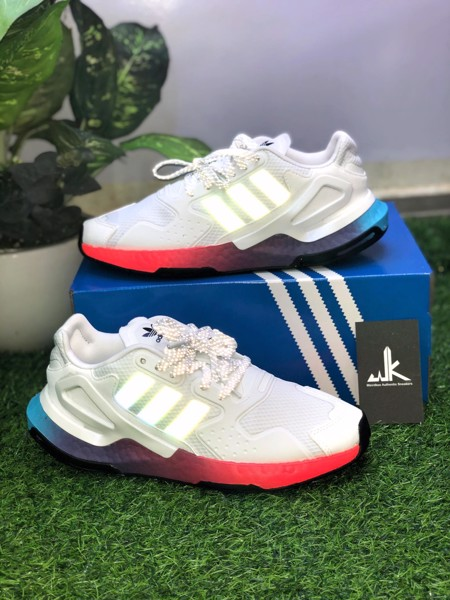 FY3012 Day Jogger White Multi