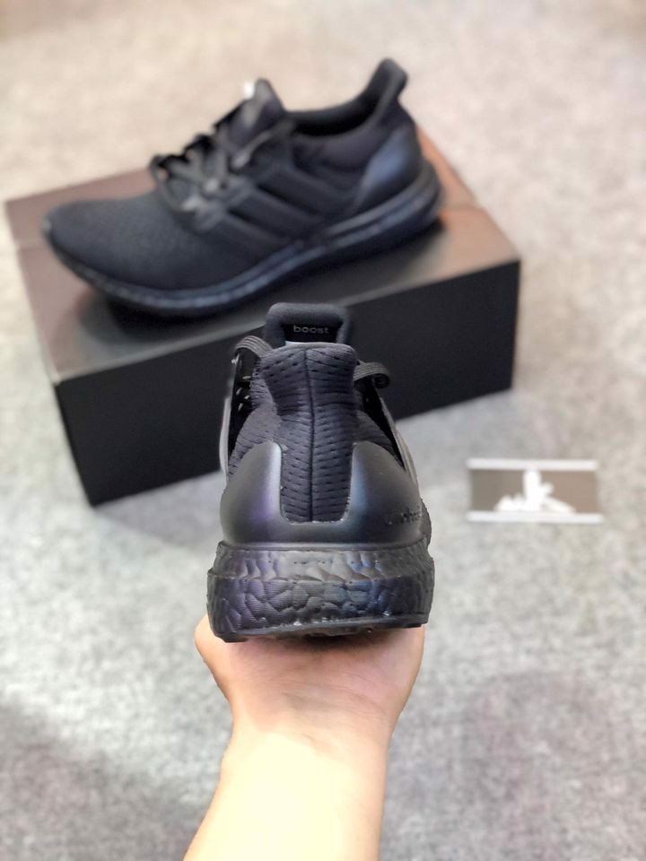 BB4677 - Ultra Boost 1.0 Triple Black