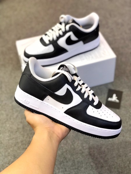 Nike Air Force 1 Black White
