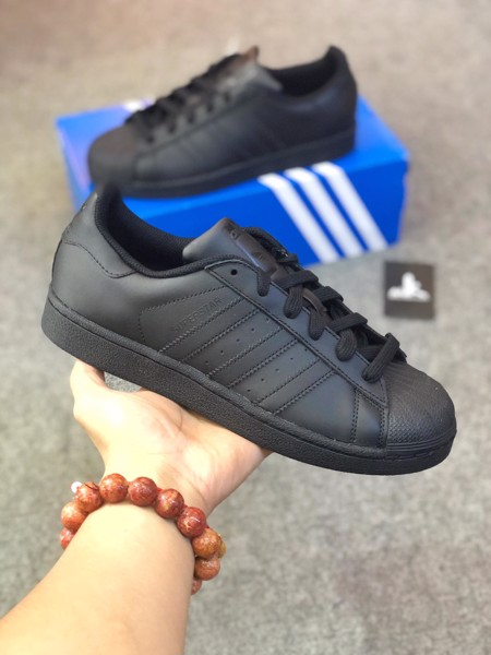 EG4957  Superstar All Black