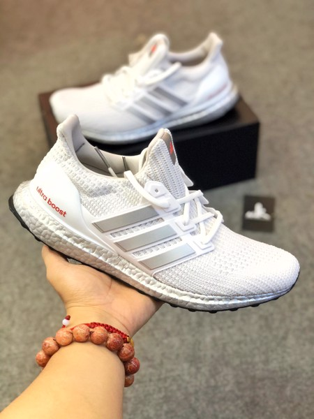 G55461 UltraBoost 4.0 DNA White Metallic