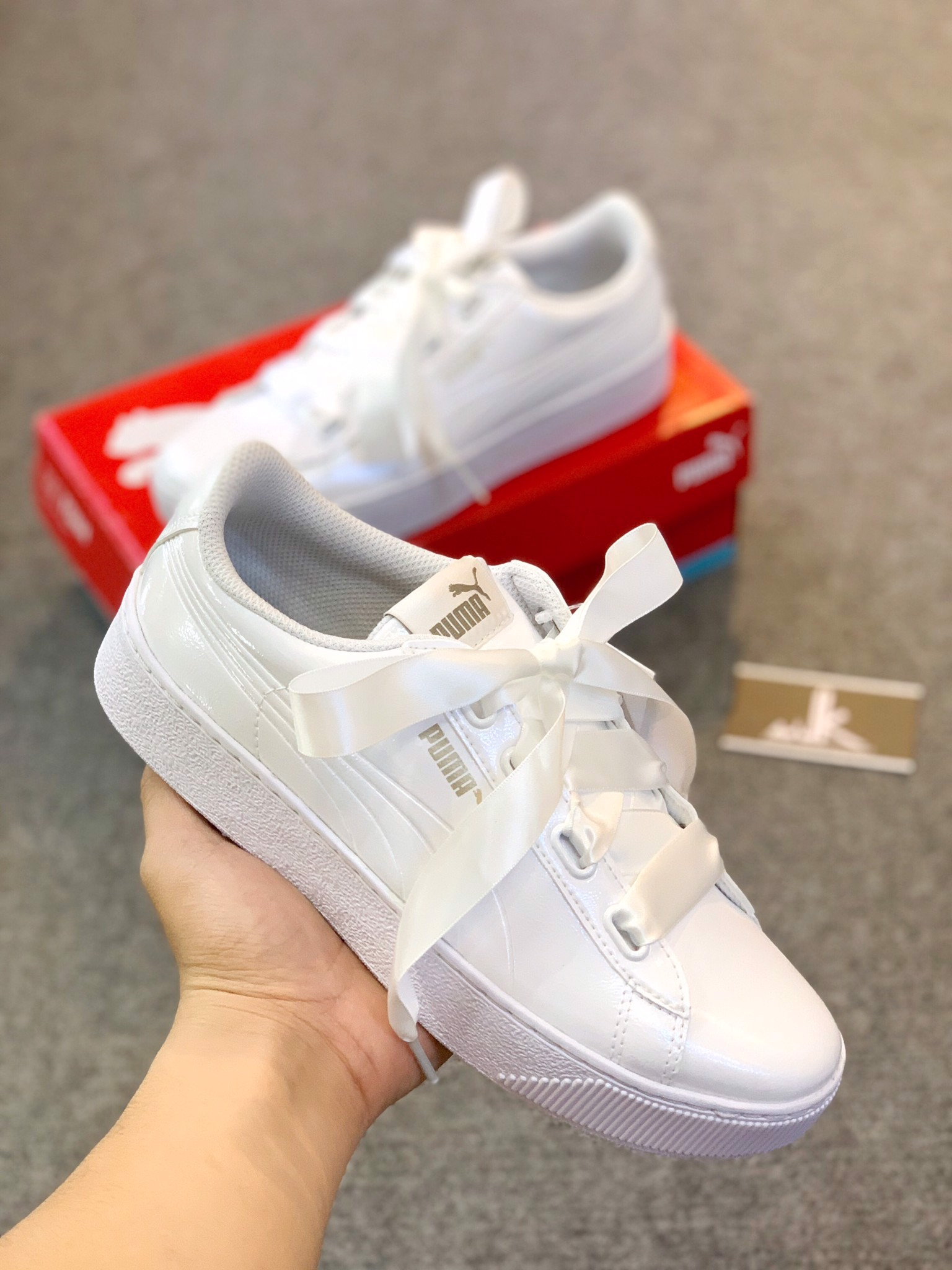 Puma basket heart all white