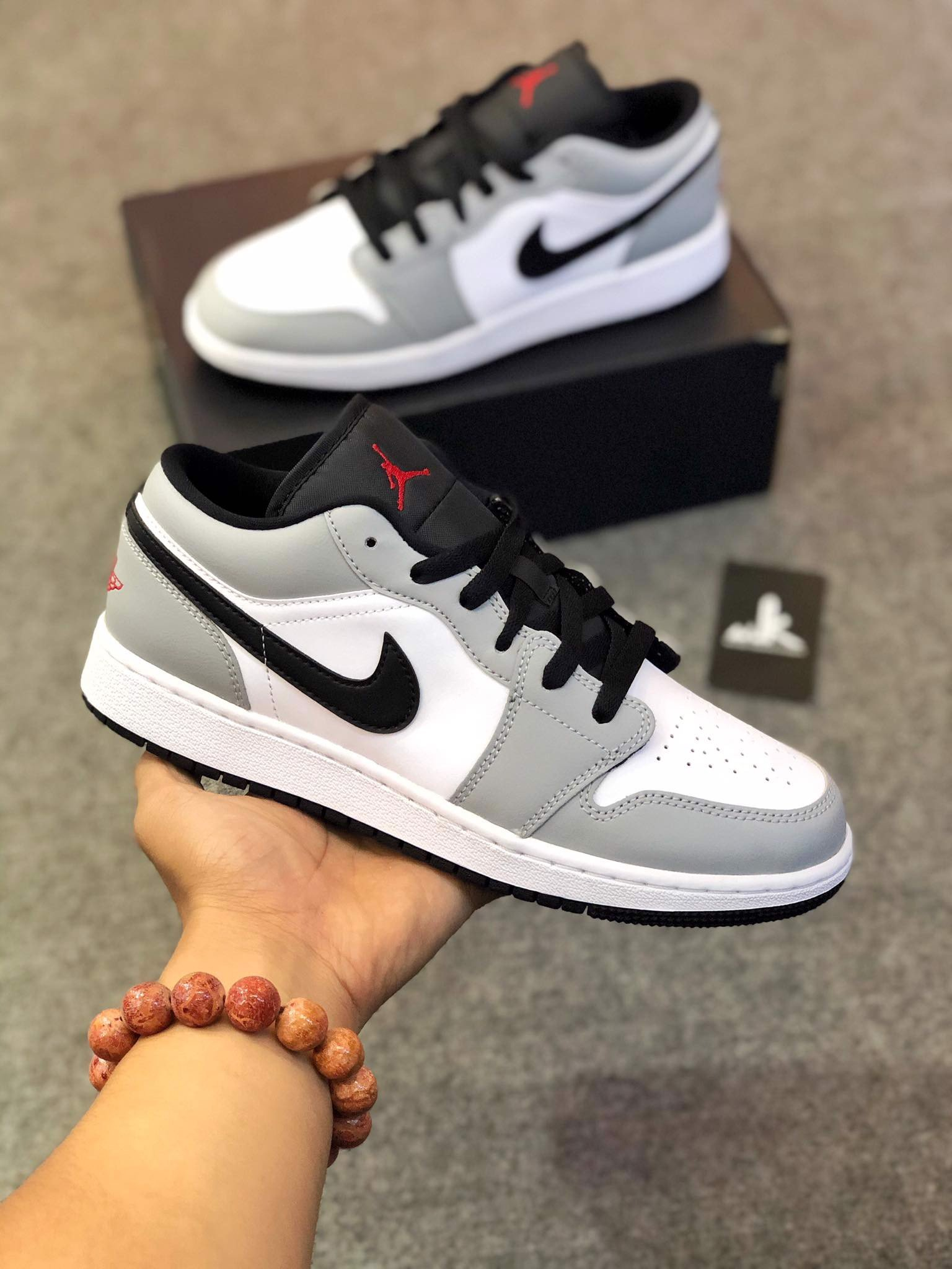 553558-030 Jordan 1 Low Light Smoke Grey